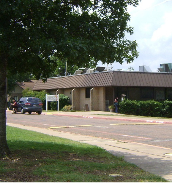 Dining Hall: Housing & Campus Services