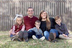 Alumni Ryan and Crystal Pennington and family